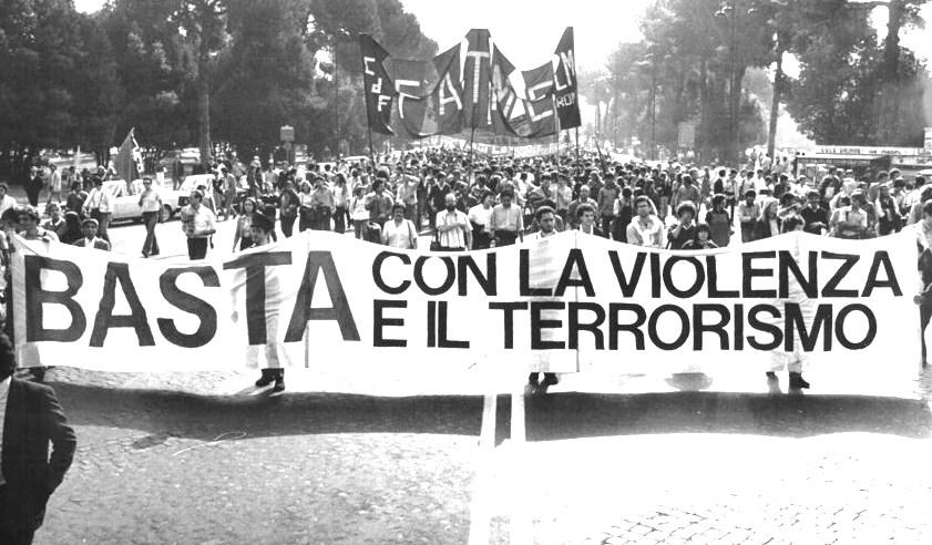 Manifestazione contro terrorismo
