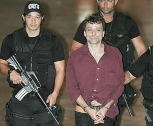 Terrorista Cesare Battisiti in manette